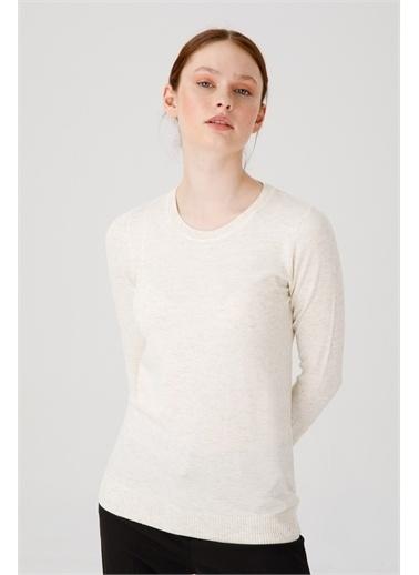 Desen Triko Kadın Sımlı Basıc Sıfır Yaka Bluz Sıyah Beyaz